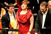 Pěvkyně Dagmar Pecková oslaví na festivalu Smetanova Litomyšl třicet let své umělecké kariéry. Ve zvláštním koncertu připomene 170. výročí narození Antonína Dvořáka.