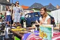 Bleší  trh v Litomyšli nabízí  věci pro děti, ale také sběratelské kousky nebo zajímavé suvenýry z cest po celém světě.