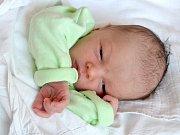 SEBASTIAN PIVKA. Narodil se 21. května Darině Smékalové a Marku Pivkovi z Gruny. Měřil 50 centimetrů a vážil 3 kilogramy.