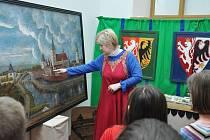 V Centru Bohuslava Martinů začala unikátní dotyková výstava Doba měst a hradů, husitské války.