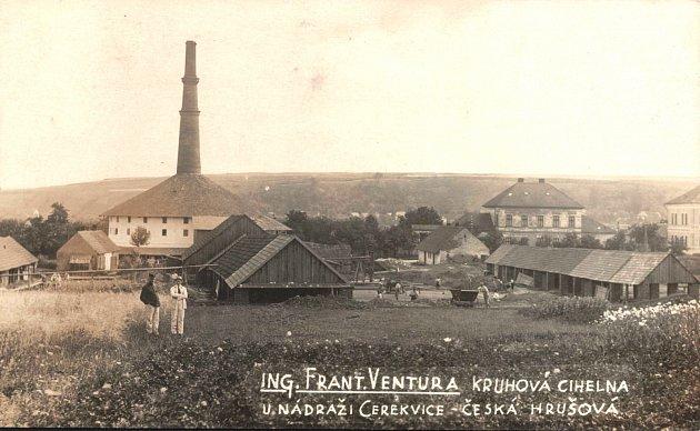 Venturova kruhouvá cihelna na pohlednici z dvacátých let minulého století.