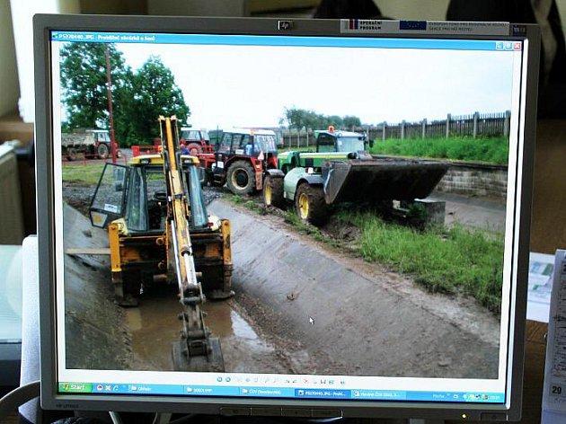 Přívalový déšť poškodil čistírnu vod v Morašicích.