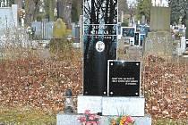 Hrob Adolfa Cihláře.