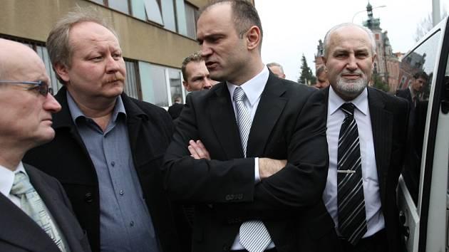 ZA MINISTREM  přijel  i starosta  Litomyšle Michal Kortyš  a Josef Ošťádal  z Moravské Třebové (zleva).