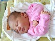 NELA VYSTRČILOVÁ. Narodila se 23. května Romaně Skalické a Aloisovi Vystrčilovi z Třebařova. Měřila 52 centimetrů a vážila 3,77 kilogramu. Má brášku Tobiáška.