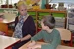 Úsměv na tváři nechyběl ve čtvrtek dětem ani učitelkám.