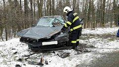 Při havárie byla zraněna řidička osobního vozidla.