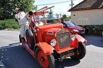 Propagační jízda hasičů dorazila také do Desné.