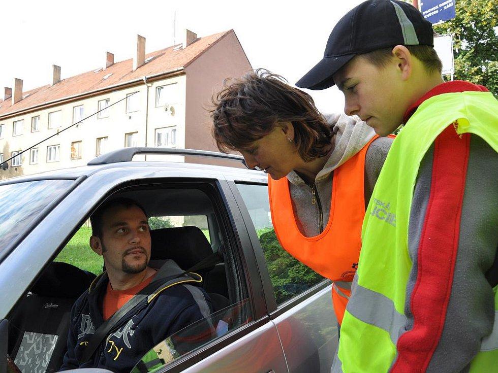 Školáci měřili v Moravské Třebové rychlost s městskou policií.