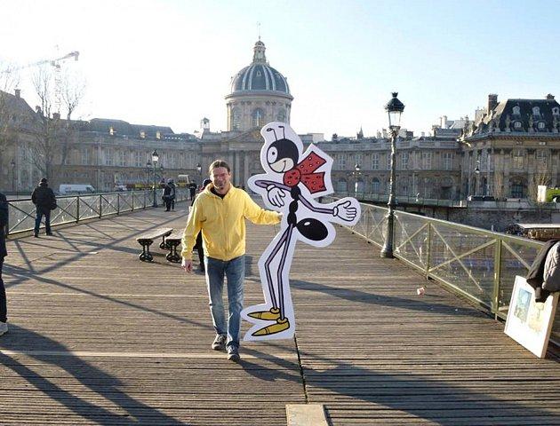 Ferda Mravenec v Paříži.