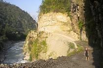 Cesta ze Singhati do Simigaun.