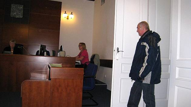 U Okresního soudu ve Svitavách skončil spor, ve kterém na lavici obžalovaných usedl Oldřich Kolomý.