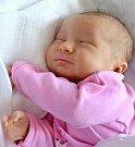 NELA SKOUMALOVÁ. Narodila se 16. června Michaele a Romanovi ze Svitav. Měřila 51 centimetrů a vážila 3,4 kilogramu.