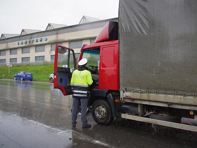 Dva mrtvé si vyžádala nehoda na silnici I/35 v Litomyšli ve směru na Vysoké Mýto.