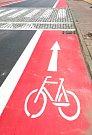 Podnikatelé se cítí novými cyklopruhy poškozeni.