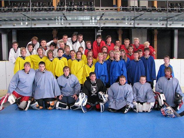 III. Camp talentované hokejbalové mládeže proběhl v Litomyšli.