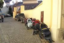 Ještě ve čtvrtek se v budově římskokatolické fary v Moravské Třebové koná již tradiční burza dětského oblečení.
