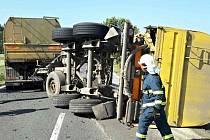 Nehoda nákladního automobilu v obci Karle na Svitavsku