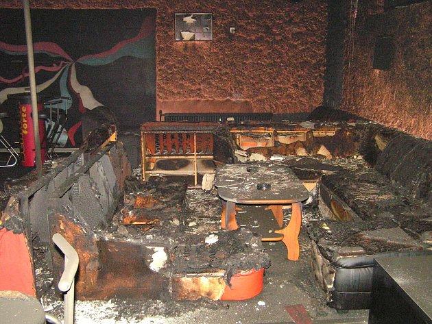 Vyhořelý Music Club Heaven.