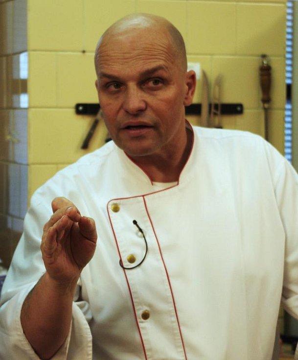 Zdeněk Pohlreich natáčel v jevíčském Hotelu U Apoštola.
