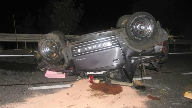 Terénní vůz havaroval v pátek v noci na silnici I/34 v Březové