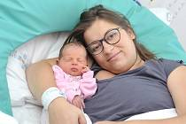 Anežka Bozděchová bude doma s rodiči Janou a Jaroslavem a bráškou Vojtěchem v Litomyšli. S váhou 2,96 kilogramu se narodila 22. října ve 12.19 hodin v Ústí nad Orlicí.