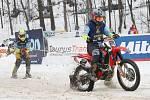 Pětašedesát startujících posádek a tisícovka spokojených diváků, to byl mistrovský motoskijöring v Rudníku.