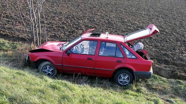 Řidič z Hradce nad Svitavou v sobotu havaroval.