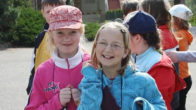 Žáci ze Základní školy v Brněnci. Jejich základní školu podmáčí spodní voda.