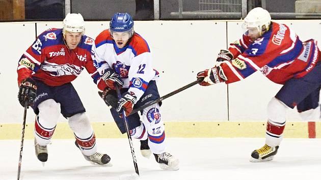 Nepříznivě se vyvíjející utkání s Hlinskem dokázali litomyšlští hokejisté otočit a posunuli se na páté místo.