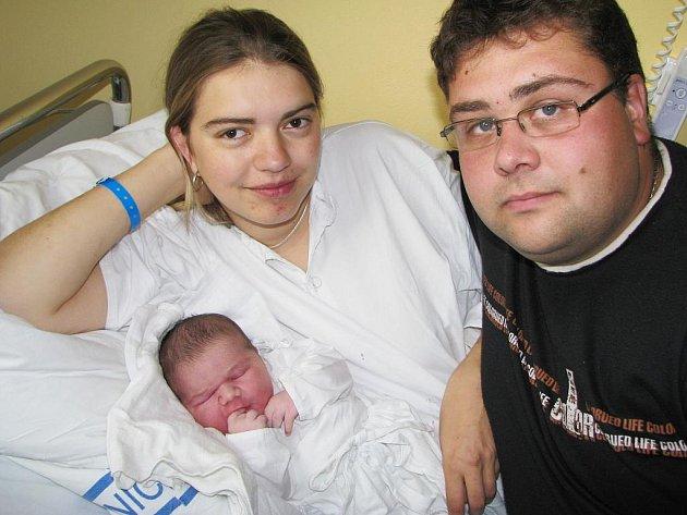 MIROSLAV JÍNĚ. V Korouhvi přibyla mladá rodina. Manželům Michaele a Miroslavu Jíňovým se narodil první potomek 25. září. Malý Miroslav vážil 4,8 kilogramu a měřil 54 centimetrů.