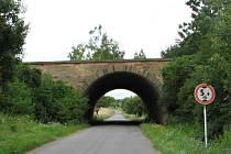 Dálniční most v prostoru mimoúrovňové křižovatky Jevíčko