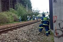Hasiči z trati odstraňovali spadlé stromy