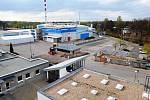 Nová hala. Necelé čtyři měsíce trvala výstavba výrobních prostor, které firma Adfors CZ využije na navýšení produkce sklovláknitých materiálů. Zajímavostí je, že vnitřní vybavení je možné přizpůsobit i jinému typu výroby.