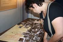 VÝSTAVA v Poličce přibližuje lidem jednu kapitolu z dějin města. Návštěvníky zaujaly mapy a uniformy.