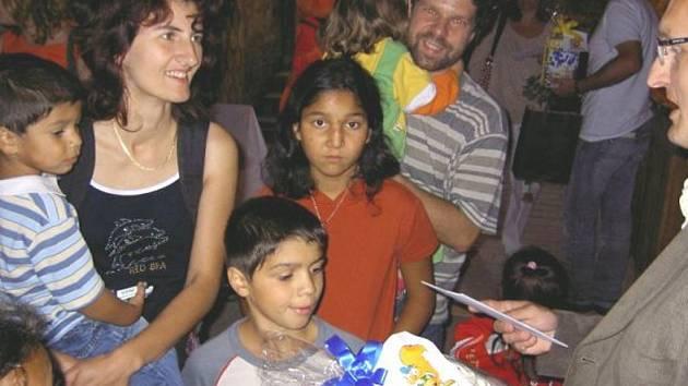 Rodiny s dětmi převzaly rodinné pasy
