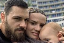 Manželé Henčlovi si ve Svitavách otevřeli bezobalovou prodejnu Čistá komůrka.