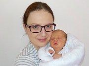 DANIELA ZERZÁNOVÁ je po Verunce druhá holčička Anny a Václava z Osíku. Světlo světa poprvé spatřila 5. dubna v 14.07 hodin, kdy vážila 2,9 kilogramu. Foto: Eva Drymlová