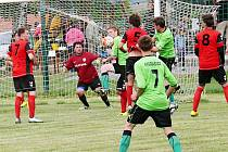 Neustále rušno bylo před svatyní Hradce nad Svitavou. Fotbalisté Morašic byli na závěr sezony při střelecké chuti.