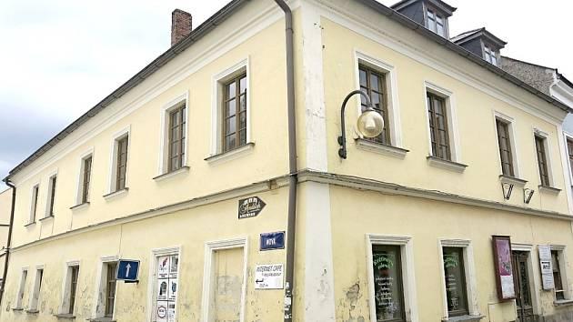 DŮM v dnešní Tyršově ulici v Poličce, kde sídlila tiskárna V. Vetterla.