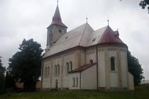 KOSTEL svatého Vavřince i železniční muzeum. To a mnoho dalšího nabízí návštěvníkům Květná u Poličky.