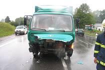 Na silnici první třídy v Litomyšli se v pondělí srazila vozidla