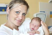 MARUŠKA HOCHOVÁ. Holčička přišla na svět 19. července v 16.47 hodin. Vážila 3,4 kilogramu a měřila 51 centimetrů. Tatínek Richard byl mamince Marii u porodu oporou. Rodina bydlí ve Svitavách.