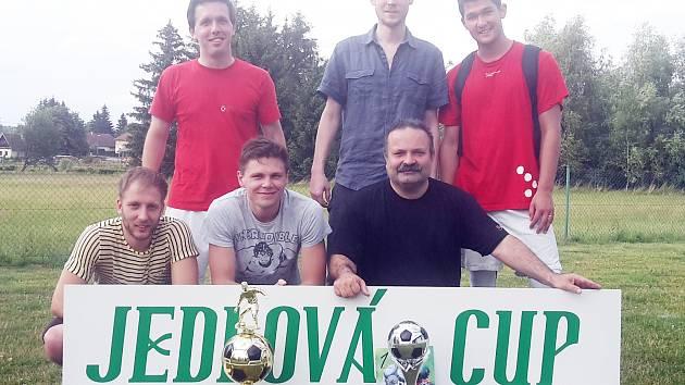 Hráčů měl pomálu, přesto tým Wariors dotáhl svoje účinkování na Jedlová Cupu k prvenství.