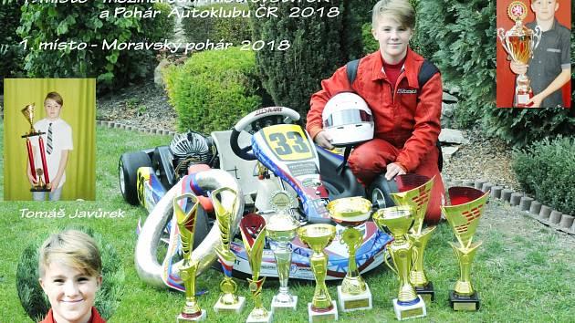 To je ale panečku sbírka. Tomáš Javůrek a jeho trofeje z první soutěžní sezony.