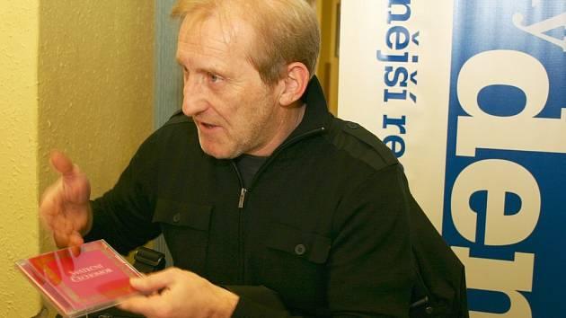 František Černý odpovídal čtenářům Svitavského deníku.