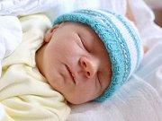 ANTONÍN UHRINEC. Narodil se 21. března Petře a Antonínovi z Moravské Třebové. Měřil 47 centimetrů a vážil 2,62 kilogramu.