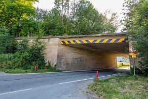 Pozůstatky z výstavby Hitlerovy dálnice se dodnes dochovaly v trase plánované dálnice D43.