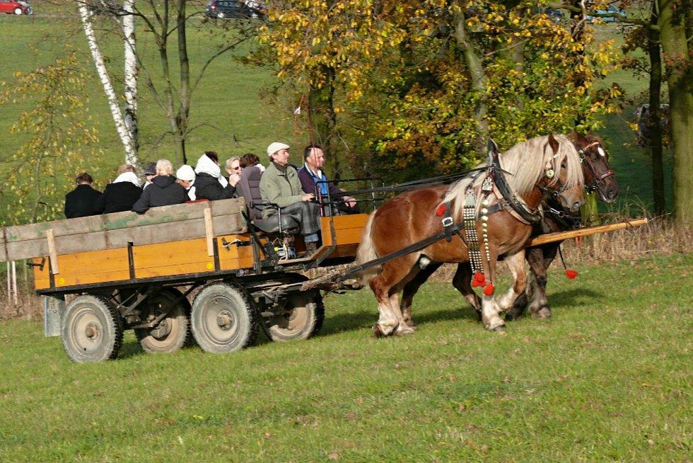Vozatajská Hubertova jízda v Makově.