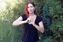 Tlumočnice znakového jazyka Petra Dvořáková